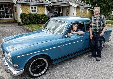 KJÆRT MØTE: Åge Silkoset fikk et kjært møte med bilen han kjøpte for 50 år siden.