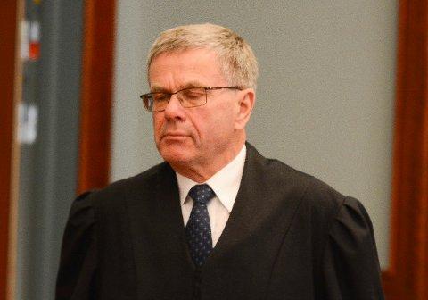 Forsvarer Arne Lie og eks-politimannen anker dommen fra lagmannsretten til Høyesterett.