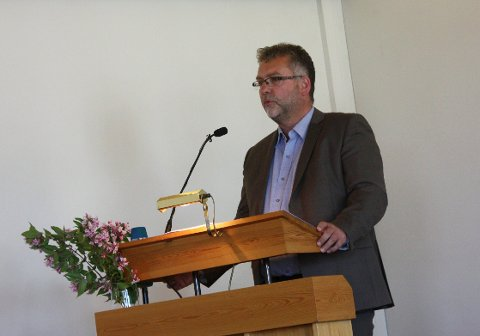 Johannes Sørhaug sier den nye kirken ikke vil være på plass før om drøyt tre år.