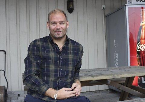 Tar sats og hopper i det: Marius Kristiansen har sagt opp jobben og solgt leiligheten. Nå går turen til Madrid, der et masterstudie i fotballtrening står for tur. Han skal gå på Real Madrids sportsskole det neste året.