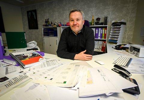 – Kommunen bør slutte å pålegge innbyggerne det umulige og deretter true med tvangsmulkt hvis de ikke løser oppgaven, skriver Roger Håkonsen.
