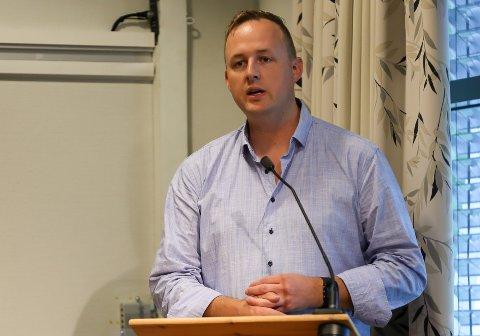 KRITISK: Rune Krutå mener Sparebank1 Helgeland og Sparebank 1 Nord-Norge bidrar til økt konflikt på Helgeland.