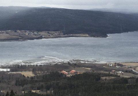 Rundhaugen byr på flott utsikt over Jevnaker, og i år er stedet med på turmållista i Jevnaker.