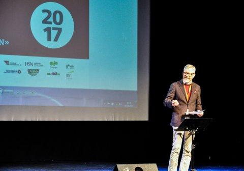 Torger Ødegaard, rådmann i Hole kommune, sto for den offisielle åpningen av Ringerikskonferansen 2017.