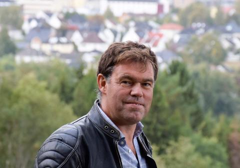 KOMMENTERER BADE-ØKONOMIEN: Leder av representantskapet i det interkommunale selskapet, Frederik Skarstein.