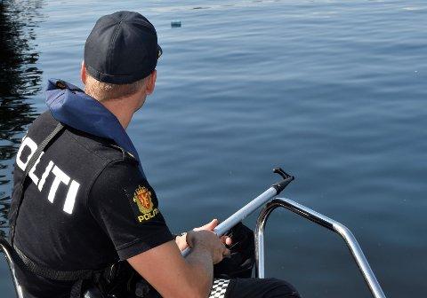 KONTROLL: Politiet patruljerte Steinsfjorden fredag kveld og natt til lørdag. (Arkivfoto)