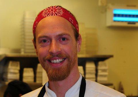 MILJØBEVISST: Øystein Næss har gått gradene på Mortens Kro, fra oppvaskhjelp til kjøkkensjef. Hele veien har han tenkt på hvordan de kan gjøre mer for miljø og samfunn. Foto: Kristin Haagensen