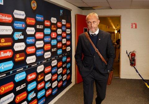 SLAKTET EGET LAG: Lars Bohinen var misfornøyd med det aller meste etter at Sandefjord tok ett poeng i Tromsø. – En pissedårlig fotballkamp av oss, oppsummerte SF-treneren.