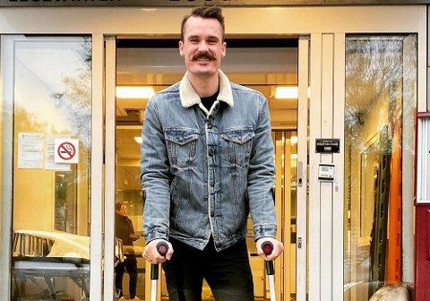 SMIL: Henrik Ingebrigtsen gleder seg over at den lille, men viktige operasjonen, er over.