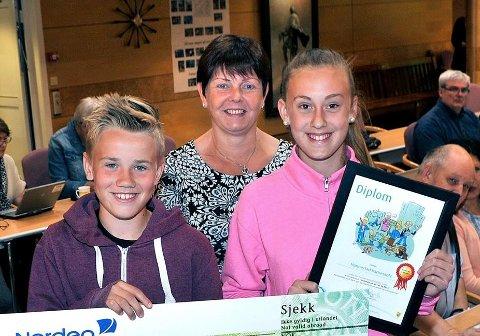 Nina Johannessen Tørholen er ansatt som ny rektor ved Alvimhaugen barneskole. Her avbildet i forbindelse med en prisutdeling tidligere i år.