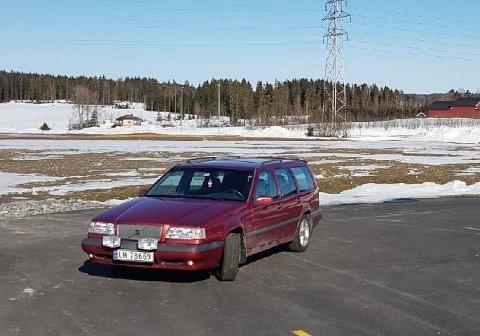STJÅLET: Denne Volvoen ble stjålet fra pendlerparkeringen på Knapstad i dag.