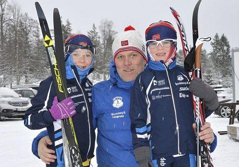 IVRIGE JENTER (OG PAPPA): Spydeberg-søstrene Emma og Anna Solberg har gått på ski «hele livet». Her sammen med sin like ivrige pappa, ex-fotballspiller Cato Solberg.