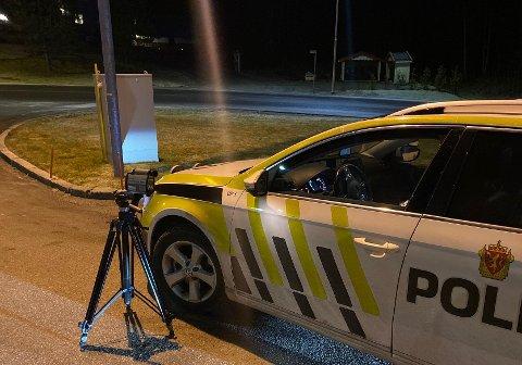 Politiet stilte seg i kveld opp ved E18 i Ørje, og det manglet ikke på fartsovertredere å vinke inn.