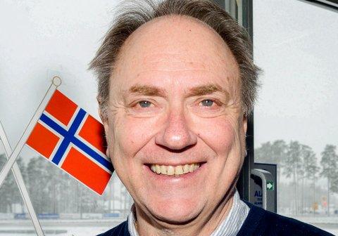 LØP PÅ NASJONALDAGEN: Sports- og markedssjef Kjeld Henning Sandem lover mange fine travløp i 17. mai på Momarken.