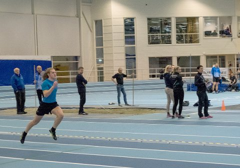 Innendørs konkurrerer 16-åringen på 60 meter og 200 meter.