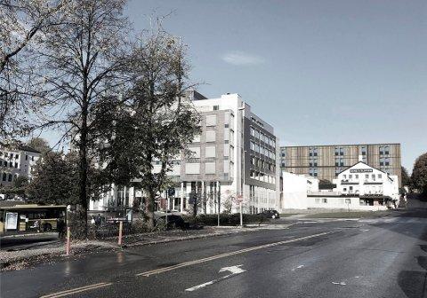 BEKYMRET: Fylkeslege Steinar Aase er bekymret for plasseringen av det nye sykehjemmet tett inntil trafikken i Kongens gate. Soverommene ligger på den mest støybelastede siden og der vil også hovedinngangen være.