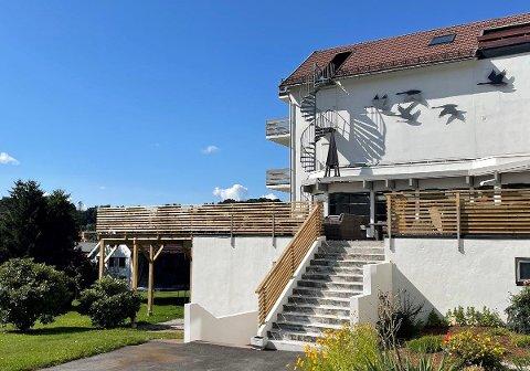 TIL SALGS: Norsjø hotell ligger nå ute for salg. Flere har allerede meldt sin interesse for hotellet.