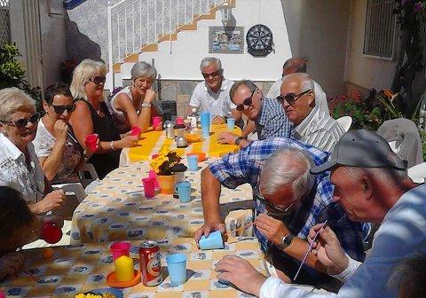 """SPANIAPÅSKE: Normalt arrangerer Tove og Roy Thunestvedt  """"påskerenn"""" for alle vennene i Spania i påsken. I år kunne ikke engang Tove gå ut av leiligheten i påsken."""