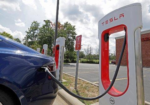 Forbrukerrådet har mottatt totalt 113 klager på Tesla hittil i år.