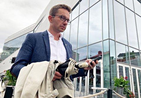 Vil ha retningslinjer for barns skjermbruk i skolen: Carl Johansen i Møre og Romsdal MDG er fornøyd med gjennomslagene fylkeslaget fikk på landsmøtet.