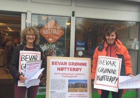 2.500 TILSAMMEN: Elisabeth Von Krogh og Hanne Christiansen sto utenfor Kiwi Vestskogen. Tilsammen har aksjonsgruppa Bevar Grønne Nøtterøy skaffet over 2.500 underskrifter mot utbyggingen.