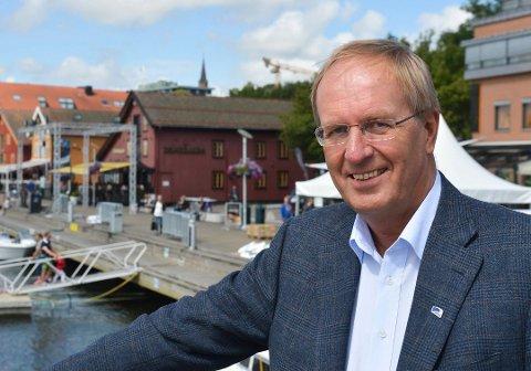ANDRE FORMÅL:  – Vi ønsker å få mulighet til å bruke noe av havnekassen også til sentrumsutvikling, sier ordfører Petter Berg (H) i Tønsberg.