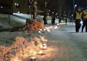 FOR GJERDRUM: Søndag kveld tennes en rekke med levende lys fra Flammen, langs RV4 og mot Solbergveien mot Gjerdrum. Initiativtakerne vil vise at Nittedals befolkning tenker på våre naboer i denne vanskelige stunden.