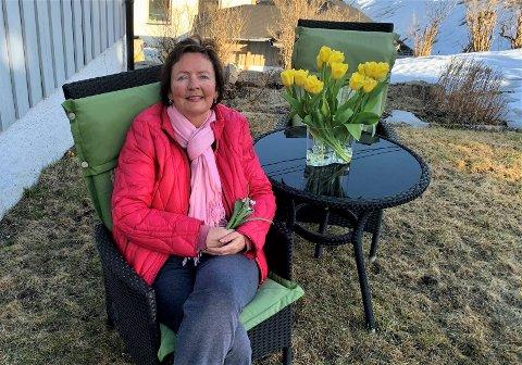 KLAR FOR VÅREN: Kulturhussjef Mariann Torsvik er klar for snøsmelting, terrasseaktiviteter, krokus og god mat, og alt vi må ha billetter for å oppleve.