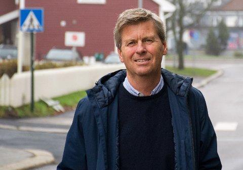 DELER UT: Næringssjef Øystein Hjørnevik håper på mange søknader fra næringslivet i Tønsberg.