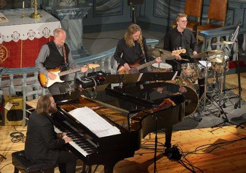 Musikere: F.v. Andreas Ulvo, Knut Solvang, Simen Wie, Alf Kippersund Nordseth.