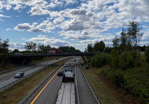 GJENÅPNET: Da ØB var på stedet, var veien gjenåpnet for trafikk.