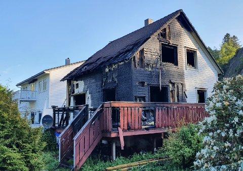 TOTALSKADD: Boligen i Hågåslia på Moi ble totalskadd i brannen mandag kveld.