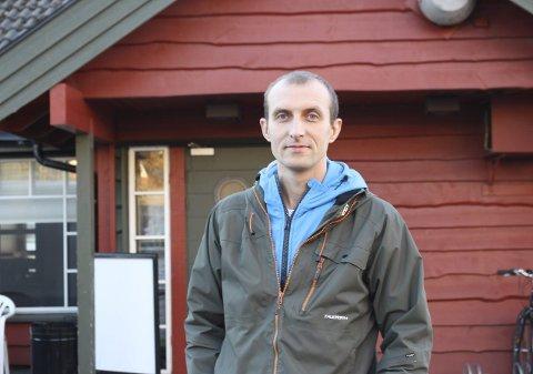 Stanislaw Nowak var mottaksleder for Brygga Hotell midt i Fauske sentrum. Det er JBS Eiendom som er driftsoperatør for mottaket. Nå blir han sjef på Bodøsjøen camping. Foto: Ida Kristin Dølmo