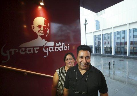 Balvir Kaur og Gurdeep Singh hos Great Gandhi.
