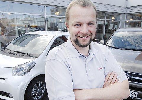 Regiondirektør i Toyota Nordvik Bodø og Salten, Bjørnar Hansen, er fornøyd med den økte omsettingen.