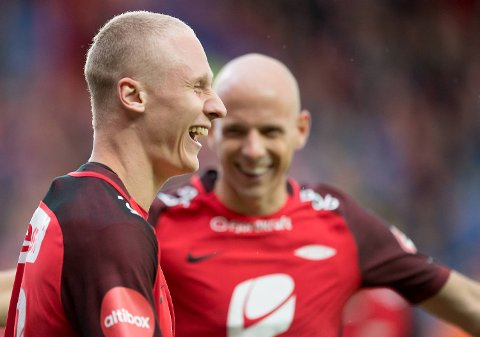 Kristoffer Barmen kan mer enn å spille fotball. Han er en lidenskapelig biljardspiller, og til helgen skal han kommentere snooker på Eurosport!