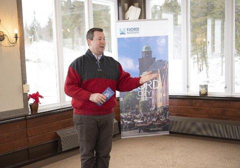 Reiselivsdirektør Anders Nyland kan ikke skjønne at Bergen ikke har klart å løse doproblemet på mer enn ti år.