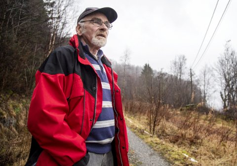 Erling Flæsland (75) frykter en monsterledning i nærheten av tomten sin på Osterøy, men nå har forslaget blitt avvist.