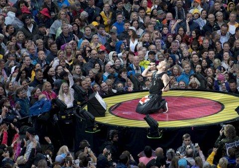 Superstjernen Robbie Williams rocket Koengen i 2017. Nå tar konsertarrangør Bergen Live flere grep for å gjøre fremtidige folkefester mer miljøvennlige.