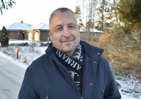 Jan Kåre Tvinnereim arbeider i Møllerens AS og forteller at selskapet har tre møller som de nå jobber for å holde i drift fremover, slik at alle fortsatt kan kjøpe det melet de har behov for.