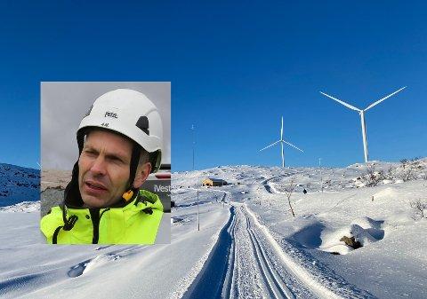 ENDELEG KLAR: Driftsleiar Andre Hatleset er klar for å la fritids-mosjonistar boltre seg i skiløypene og nytte seg av varmestova.