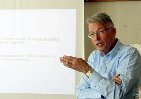 SJOKK: Meldingen fra prosjektleder Jørn Sørvik om at hurtigbåtruten mellom Kjeldebotn og Liland likevel vurderes nedlagt kom som et sjokk på ordførerne i Ofoten. – Det er ikke dette vi oppfattet vi var enige om, sier ordfører Per Kristian Arntzen i Ballangen.
