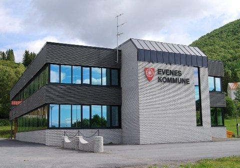 FOR LITEN: Evenes er en av kommunene som blir for liten. Hvorfor i all verden ønsker Regjeringa større og mer robuste kommuner, men lar Evenes med sine 1400 (flotte) innbyggere være alene? undrer Sverre Mogstad.