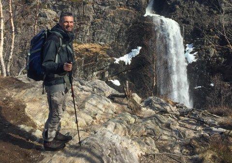 Daglig leder Øystein Dahle i Jæren friluftsråd går gjerne turer i Gjesdal. Her fra en tur til Månafossen.