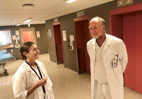 INN I STYRET: Torleiv Svendsen ved nevrologisk avdeling på sykehuset i Lillehammer er valgt inn i styret i Sykehuset Innlandet. Her sammen med Anette Huuse Farmen.