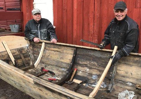 EKE: Restaurering foretas blant annet av Fredrikshald Kystlag sine medlemmer Rune Midtlien og Dag Fredheim.