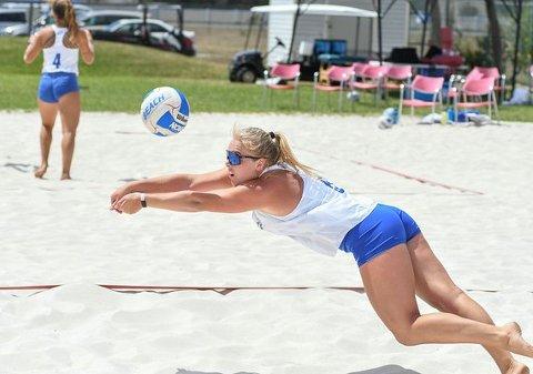 PRESTERER: Kirstine Garder kombinerer bachelor med beachvolley-satsing i Florida. På sikt er målet å spille OL for Norge.