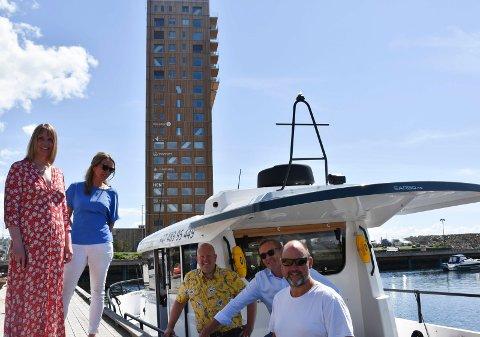 I havn i Brumunddal: Båten kaster loss fra Brumunddal klokka 09.30 de dagene den skal gå i sommer