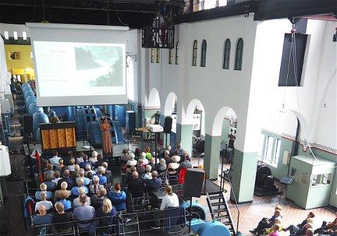 DNT og Fossehelg: Jubileum i Skjeggedal/Kraftsmuseet. Det var kring 100 publikummarar.