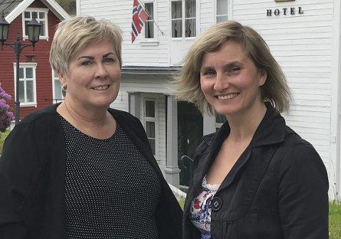 Stilte spørsmål: Sosialistisk Venstreparti ved Aud Karin Oen (t.v.) og Mathe Hammer, stilite spørsmål til fylkestinget om trafikkstasjonane i Hordaland. Foto: Privat